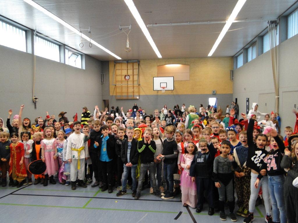Schulkarneval Eichendorff 2018 (18)