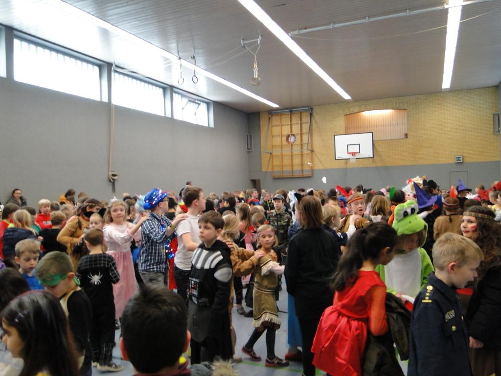 Schulkarneval Eichendorff 2018 (28)